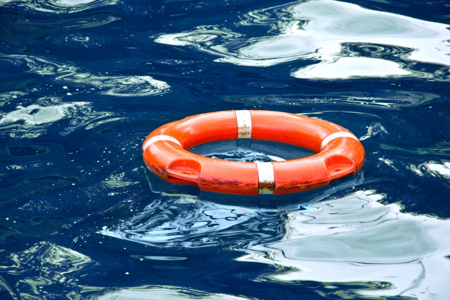 5 TIPS FOR BUSINESSES TO STAY AFLOAT DURING COVID-19